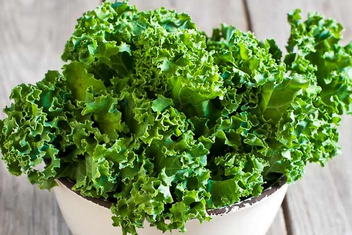 1968_13-Amazing-Benefits-Of-Kale-Karam-Saag-For-Skin-Hair-And-Health_iS